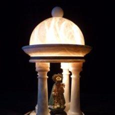 Antigüedades: ANTIGUO TEMPLETE DE ALABASTRO CON LUZ Y VIRGEN DE Nª.SRA. DE LOS DESAMPARADOS PATRONA DE VALENCIA. 2. Lote 81948032