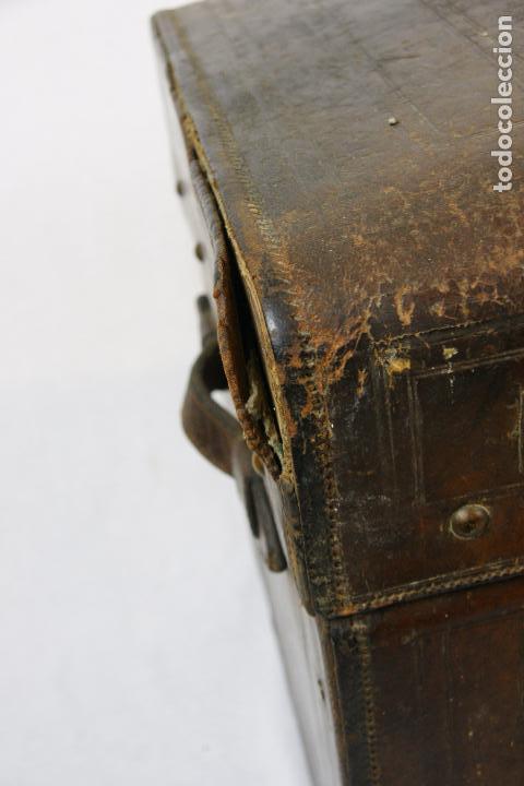 Antigüedades: ESPECTACULAR Y ÚNICO BAÚL DE CUERO FABRICADO EN NEW YORK POR LA CASA CROUCH & FITZGERALD - SIGLO XIX - Foto 5 - 82017528