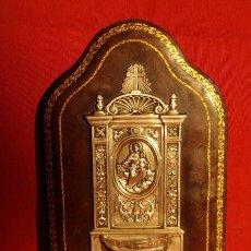 Antigüedades: BENDITERA. CUERO, COBRE PLATEADO Y CRISTAL. C.1900.. Lote 82037004