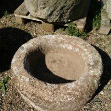 Antigüedades: ANTIGUA PILA DE PIEDRA DE GRANITO. Lote 82070236