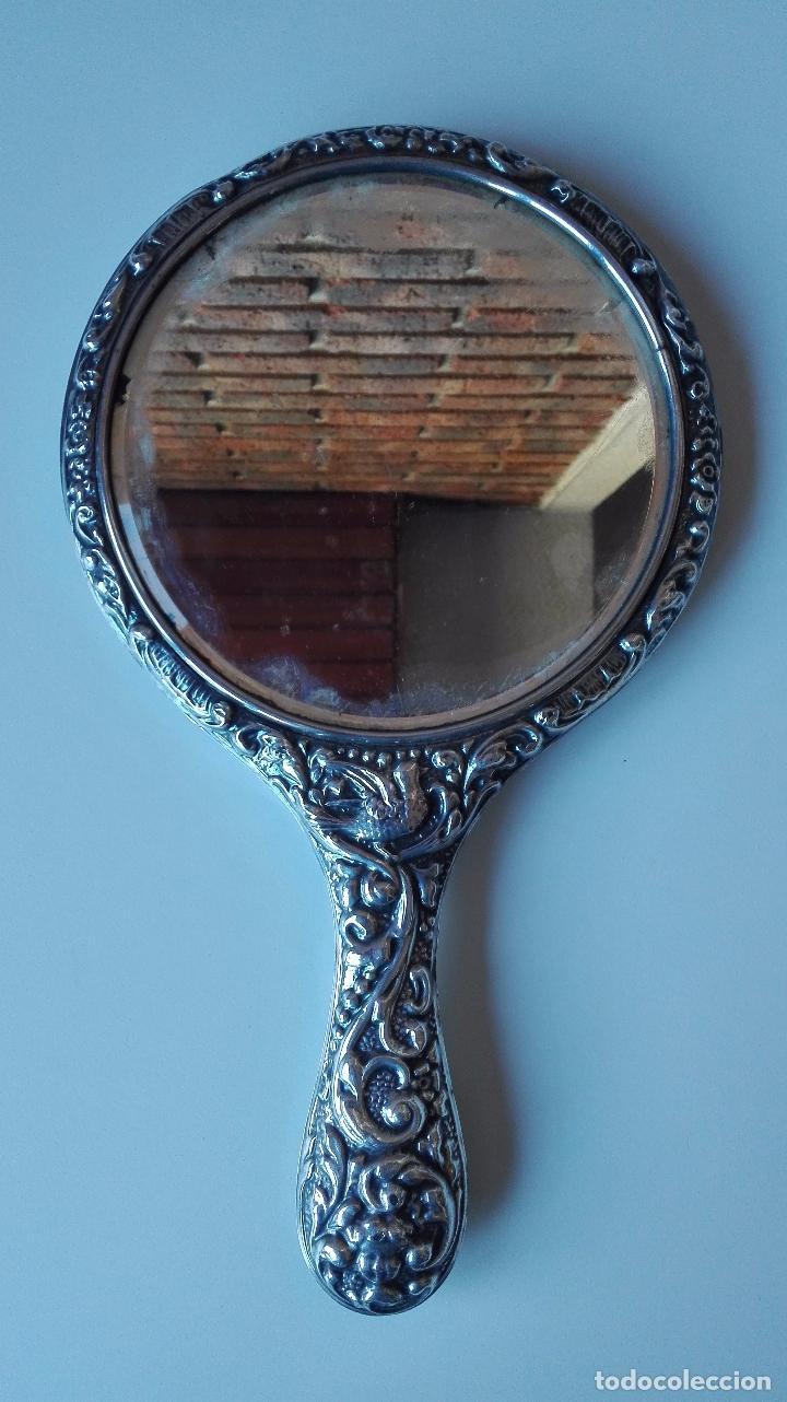 Antigüedades: Espejo de mano en Plata repujada. Finales del siglo XIX - Foto 3 - 82075472