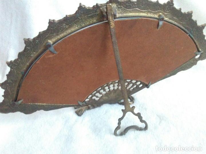 Antigüedades: ANTIGUO ESPEJO VICTORIANO EN BRONCE, CON FORMA DE ABANICO. - Foto 2 - 82078424