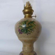 Antigüedades: ANTIGUO PRECIOSO QUINQUÉ INGLÉS VICTORIA WARE IRON STONE EN PORCELANA CRAQUELADA DECORADO CON FLORES. Lote 82153364