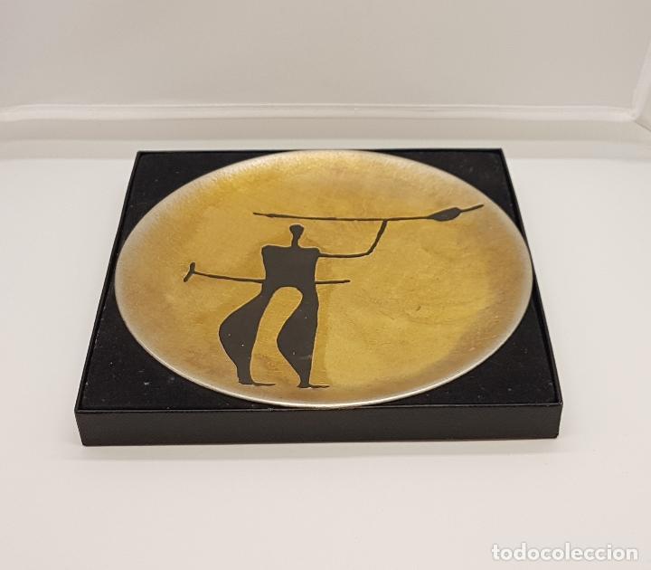 Antigüedades: Plato antiguo de colección en peltre hecho en noruega pintado a mano y firmado helgi joensen. - Foto 2 - 82204956