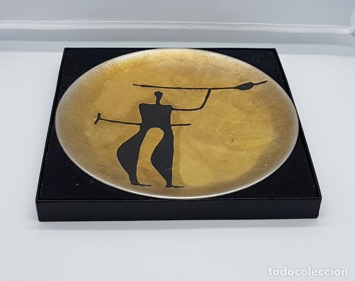 Antigüedades: Plato antiguo de colección en peltre hecho en noruega pintado a mano y firmado helgi joensen. - Foto 4 - 82204956