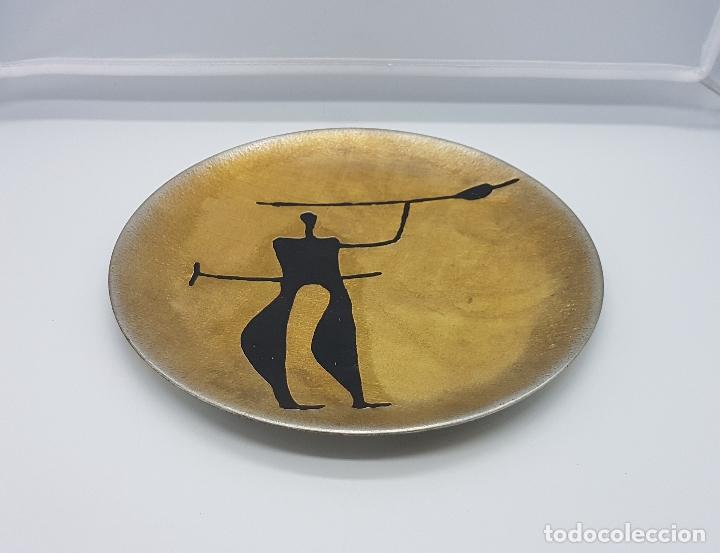 Antigüedades: Plato antiguo de colección en peltre hecho en noruega pintado a mano y firmado helgi joensen. - Foto 7 - 82204956