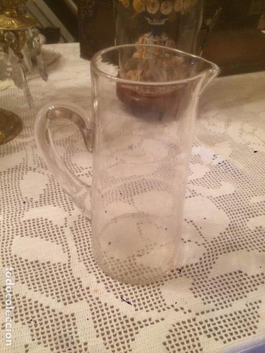 Antigüedades: Antigua pareja de jarra / jarras de cristal para agua sopladas a mano años 30-40 - Foto 16 - 82205364