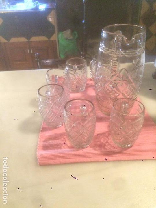 Antigüedades: Antigua jarra de cristal tallado a mano con 6 vasos a juego años 30-40 - Foto 2 - 82212596