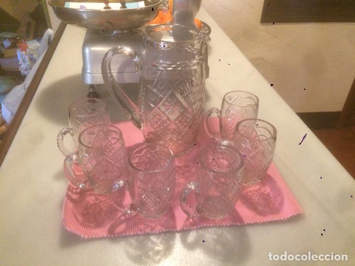 Antigüedades: Antigua jarra de cristal tallado a mano con 6 vasos a juego años 30-40 - Foto 7 - 82212596