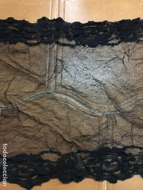 Antigüedades: VELO MANTILLA NEGRA CON BLONDA AÑOS 20 - MEDIDA 100X40 CM - Foto 3 - 166282561