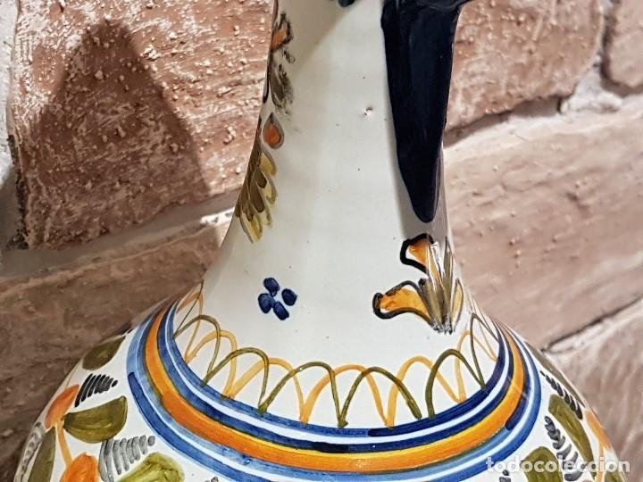 Antigüedades: ANTIGUA JARRA DE TALAVERA, 28 Cm. DE ALTURA, PINTADA A MANO, SIN FALTAS. - Foto 6 - 82329340