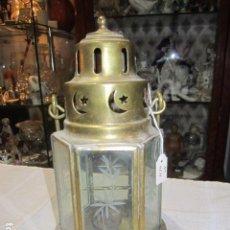 Antigüedades: FAROL PORTAVELAS DE LATÓN Y CRISTAL. 24 CMS. ALTURA X 13 DE DIÁMETRO.. Lote 82398436