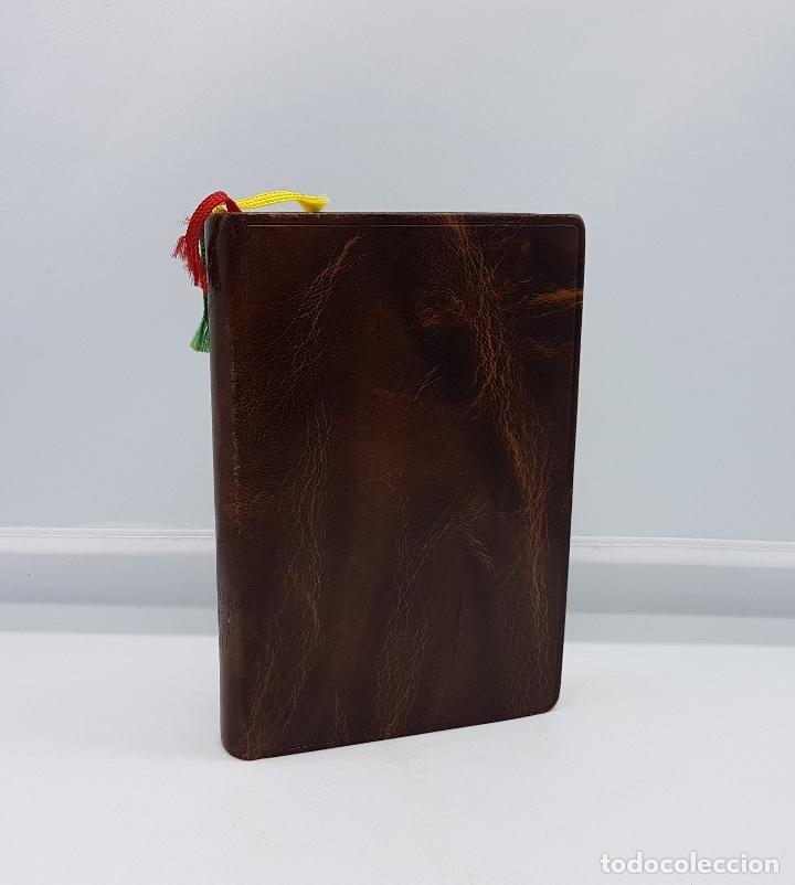 Antigüedades: Libro antiguo religioso de nuevo misalto regina en muy buen estado. - Foto 2 - 82434644
