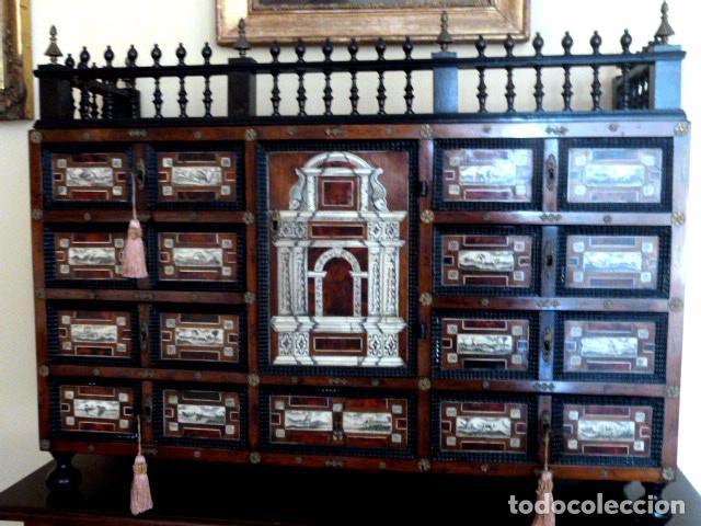 BARGUEÑO SIGLO 18, CAREY, MARFIL Y MADERA (Antigüedades - Muebles Antiguos - Bargueños Antiguos)