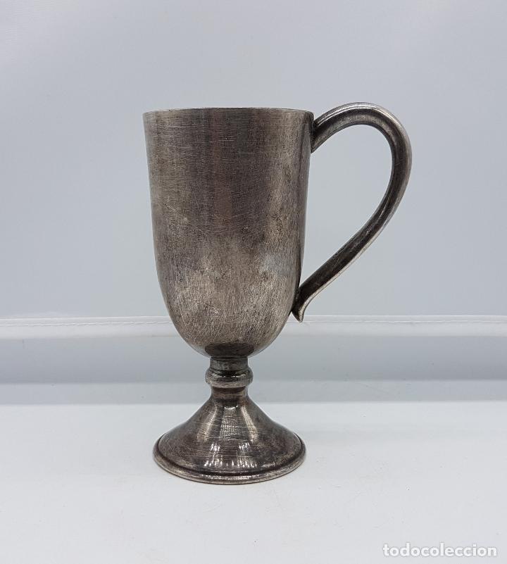 COPA DE METAL ANTIGUA PLATEADA. (Antigüedades - Hogar y Decoración - Copas Antiguas)