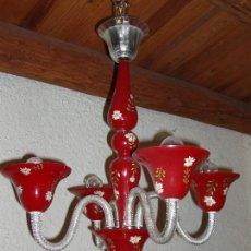 Antigüedades: LAMPARA DE CRISTAL ISABELINA DE ARAÑA, ROJA Y MOTIVOS FLORALES PINTADOS A MANO. UNA PIEZA ESPECIAL. Lote 82484920