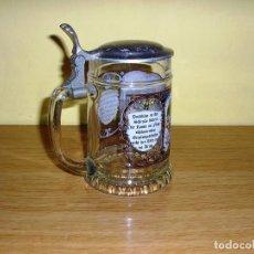 Antigüedades: JARRA DE CERVEZA DE CRISTAL DECORADO CON TAPA METALICA.. Lote 82515420