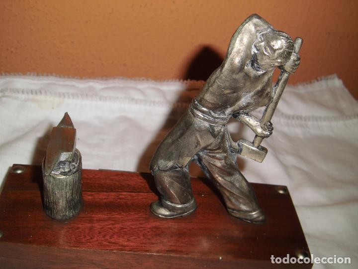Antigüedades: SIDERURGIA INDUSTRIAS DEL BESOS S.A..FIGURA SOBRE PEDESTAL ESTAÑO CREO - Foto 7 - 82525856