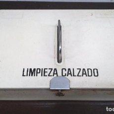 Antigüedades: CAJA METALICA LIMPIEZA DE CALZADO MEDIADOS SIGLO XX. Lote 82830692