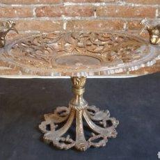 Antigüedades: CENTRO DE MESA / FRUTERO DE BRONCE. Lote 82831703