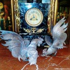Antigüedades: ANTIGUOS GALLOS DE PELEA. COMPRADOS EN JOYERIA. REALIZADOS EN PLATA ALEMANA. MUY BUEN ESTADO.. Lote 82851035