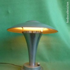 Antigüedades: PRECIOSA LAMPARA SETA NAPAKO ART DECO PANTALLA BASCULANTE AÑOS 30 BAUHAUS SPACE AGE COLECCION. Lote 141602564