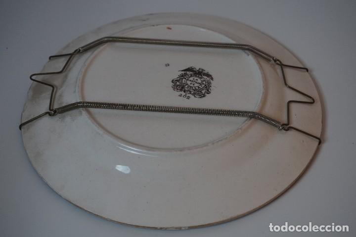 Antigüedades: PLATO DECORATIVO CARTUJA DE SEVILLA PICKMAN 202 ( 26CM Ø ) - Foto 8 - 82951820
