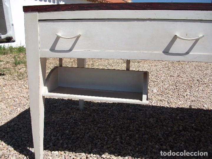 Antigüedades: Mesa grande de cocina 0 plancha antigua tablero chapa de formica 172 X 80 altura 77 cm. 2 cajones - Foto 4 - 82981804