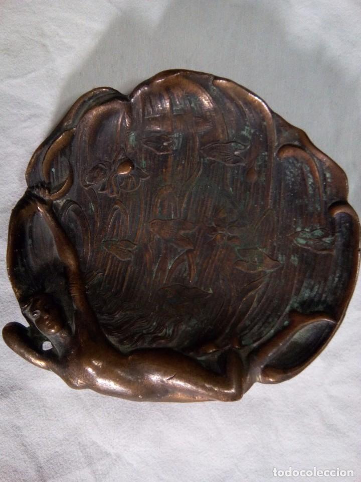 CENICERO DE BRONCE ( MODERNISTA) (Antigüedades - Hogar y Decoración - Ceniceros Antiguos)