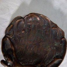 Antigüedades: CENICERO DE BRONCE ( MODERNISTA). Lote 82984740