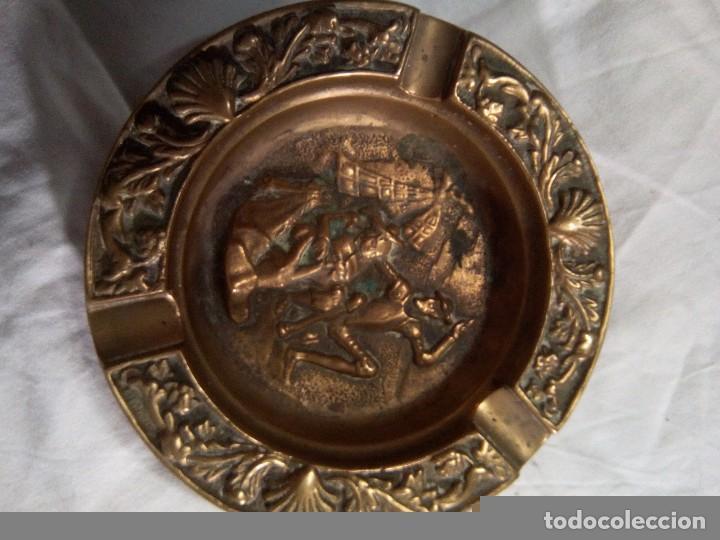 ANTIGUO CENICERO DE BRONCE ( ESCENAS DEL QUIJOTE) (Antigüedades - Hogar y Decoración - Ceniceros Antiguos)