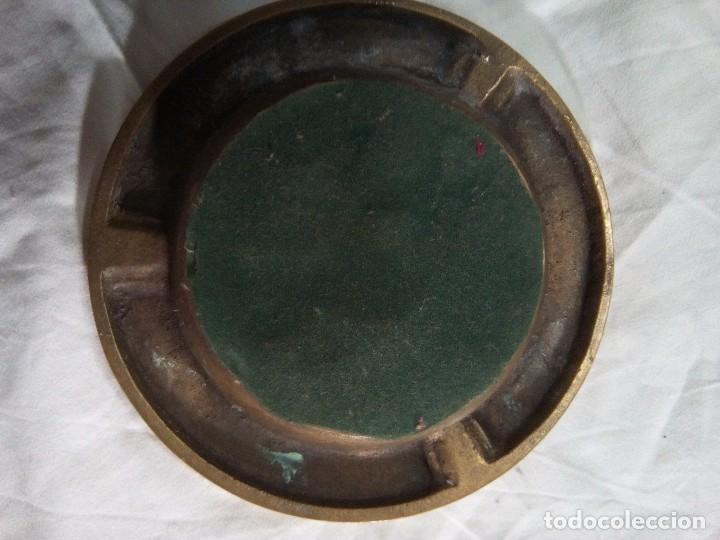 Antigüedades: Antiguo cenicero de bronce ( escenas del Quijote) - Foto 2 - 82985336