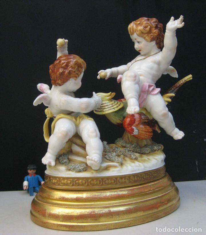 MUY RARA FIGURA ANTIGUA ORIGINAL ANGELES ALGORA JUGANDO CON PAJARO (Antigüedades - Porcelanas y Cerámicas - Algora)