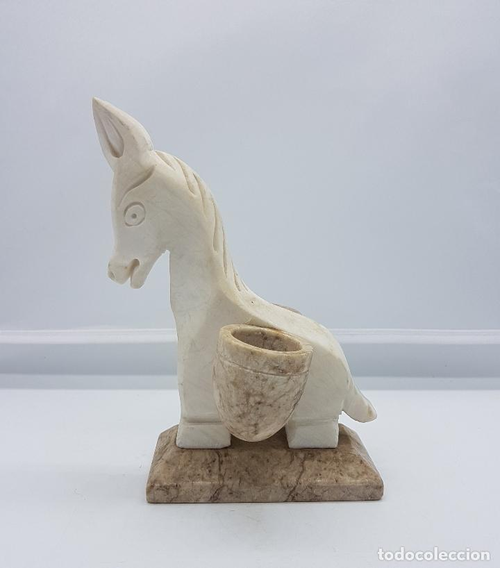 Antigüedades: Escultura antigua tallada en marmol a mano con forma de burra con cestas. - Foto 2 - 83099904