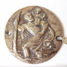 Antigüedades: MEDALLA DE SAN CRISTOBAL EN LATÓN O BRONCE PLATEADO.. Lote 83164788