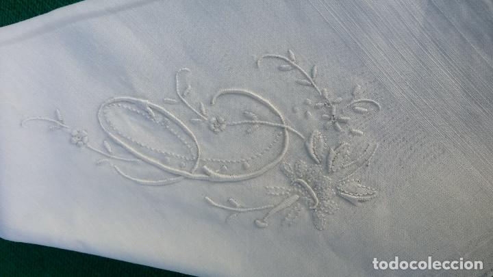 Antigüedades: 4 pañuelos bordados - Foto 2 - 83298160