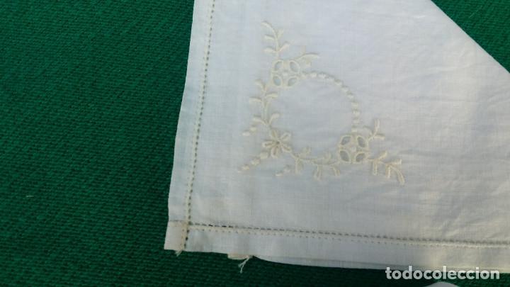 Antigüedades: 4 pañuelos bordados - Foto 3 - 83298160