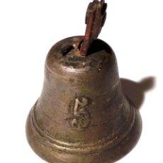 Antigüedades: ANTIGUA CAMPANA EN BRONCE DEL SIGLO XVIII - NUMERO 5 POSIBLEMENTE MILITAR 9,5 DE ALTO X 7,5 DIAMETRO. Lote 83333248
