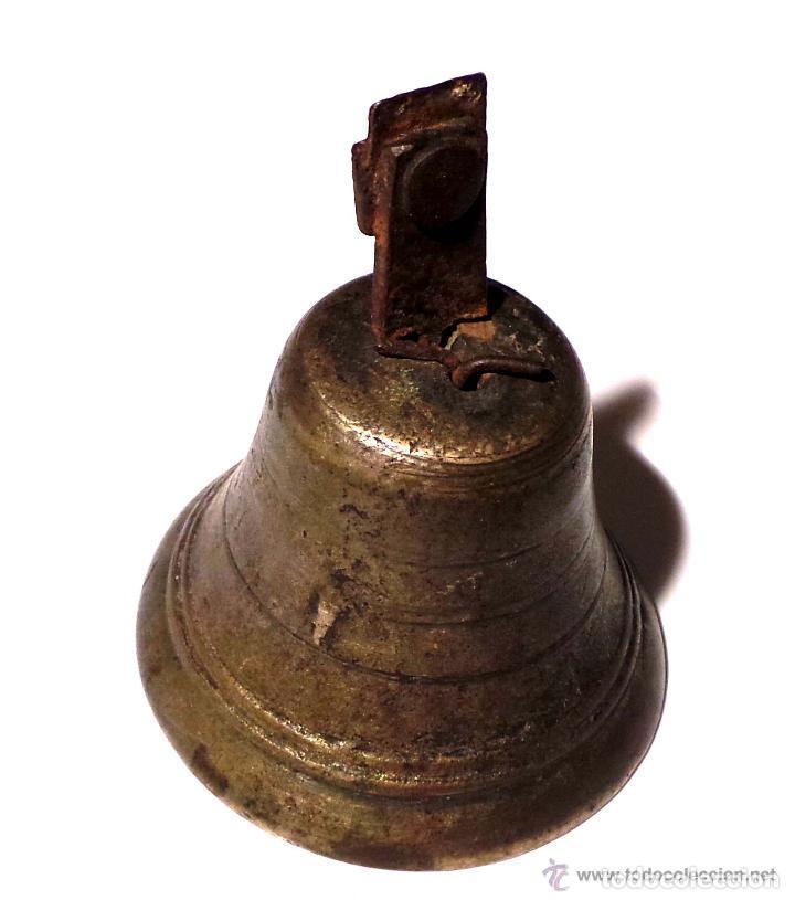 Antigüedades: ANTIGUA CAMPANA EN BRONCE DEL SIGLO XVIII - NUMERO 5 POSIBLEMENTE MILITAR 9,5 DE ALTO X 7,5 DIAMETRO - Foto 4 - 83333248