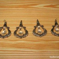 Antigüedades: 4 ADORNOS EN METAL PARA LAMPARA CON LAGRIMAS.. Lote 83335900