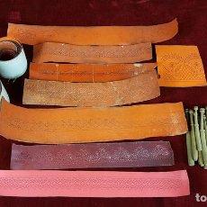 Antigüedades: COLECCION DE 26 PATRONES Y 33 BOLILLOS. SIGLO XX. . Lote 83367904