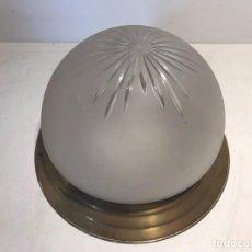Antigüedades: LAMPARA PLAFON DE TECHO DE CRISTAL Y LATON ANTIGUO.. Lote 83395588