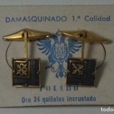 Oggetti Antichi: GEMELOS EN ORO 24 KILATES DAMASQUINADO 1ª CALIDAD TOLEDO. Lote 83528292