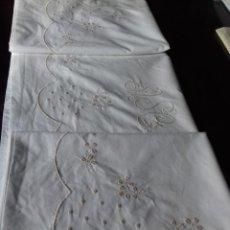 Antigüedades: ANTIGUA SABANA BORDADA CON INICIALES A MAQUINA EN COLOR BEIG.. Lote 83583812