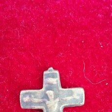Antigüedades: CRUZ DE BRONCE SIGLO XVII. Lote 83705102