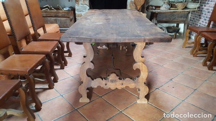 IMPONENTE MESA DE NOGAL CON PATA DE LIRA (Antigüedades - Muebles Antiguos - Mesas Antiguas)
