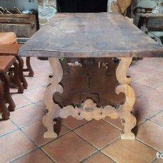 Antigüedades: IMPONENTE MESA DE NOGAL CON PATA DE LIRA. Lote 83712580