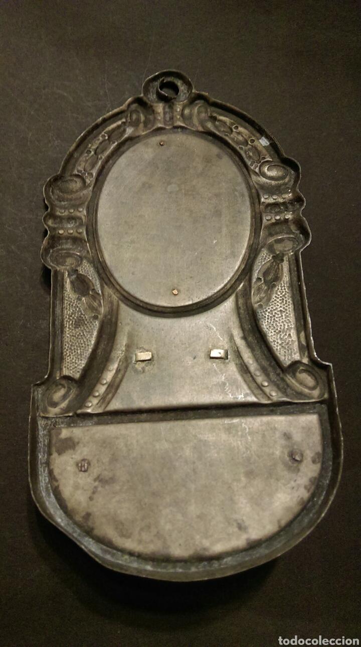 Antigüedades: BONITA BENDITERA EN METAL - VIRGEN NTRA SRA DE MONTSERRAT - Foto 5 - 83771136
