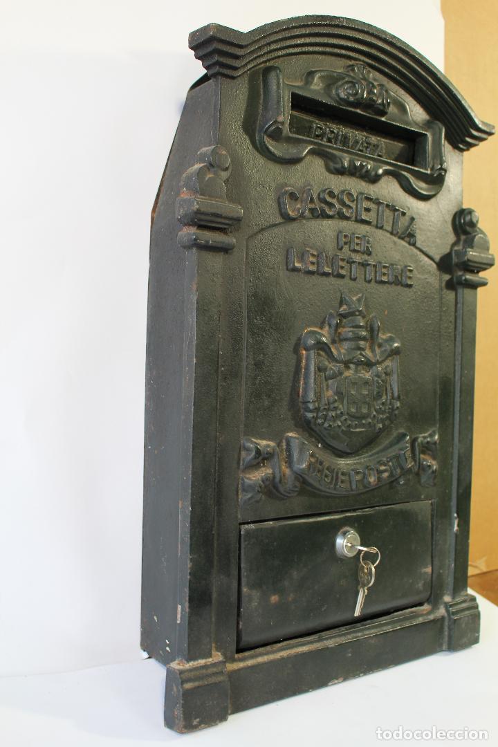 Antigüedades: buzon de correos en hierro fundido - Foto 3 - 83775232