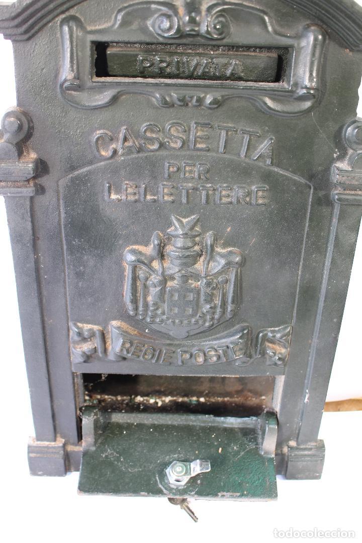Antigüedades: buzon de correos en hierro fundido - Foto 6 - 83775232